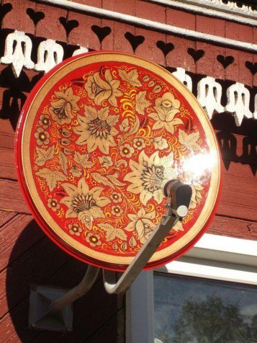 Спутниковая  тарелка под хохлому (3 фото)
