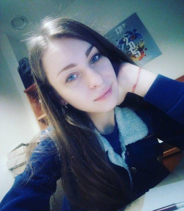 devushki-ofisnye-simpatichnye-krasivye-fotografii-neobychnye-fotografii