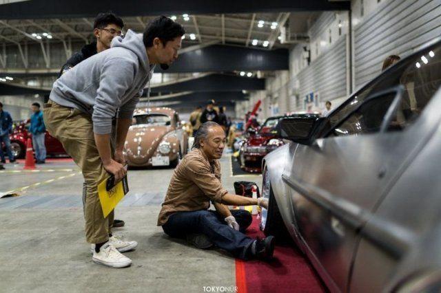 delorean-nizkiy-shirokiy-avto-avto-kartinki-avto-video-motocikly