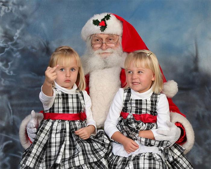 две девочки с дедом морозом