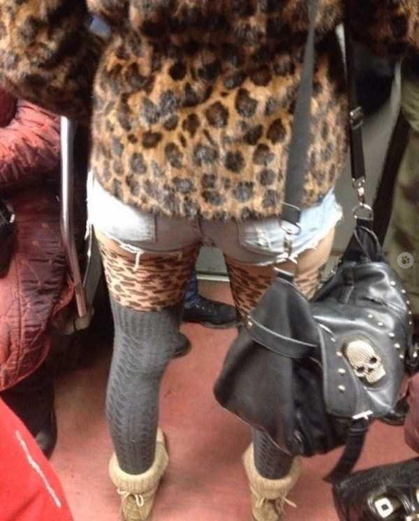 девушка в леопардовой одежде