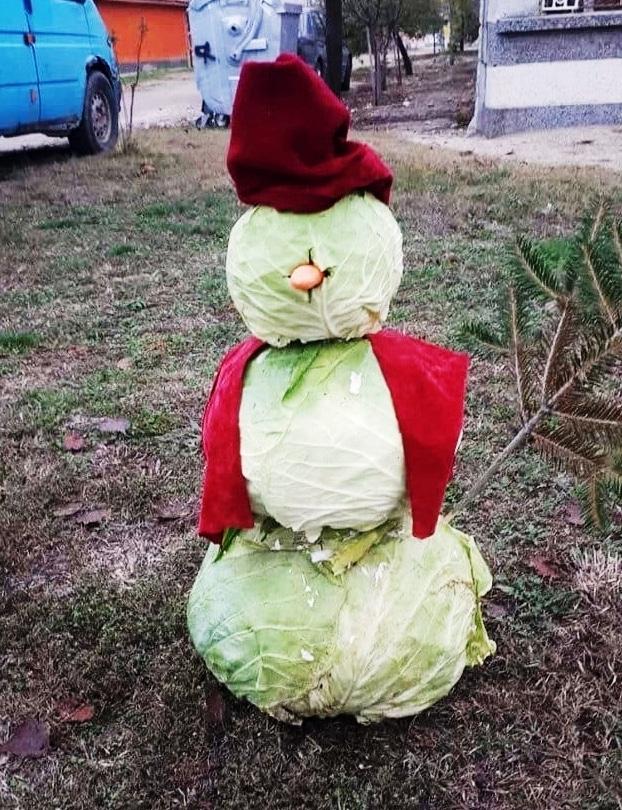 снеговик из капусты в днепре