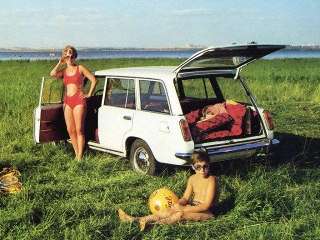 mashinami-sovetskimi-plakaty-avto-avto-kartinki-avto-video-motocikly
