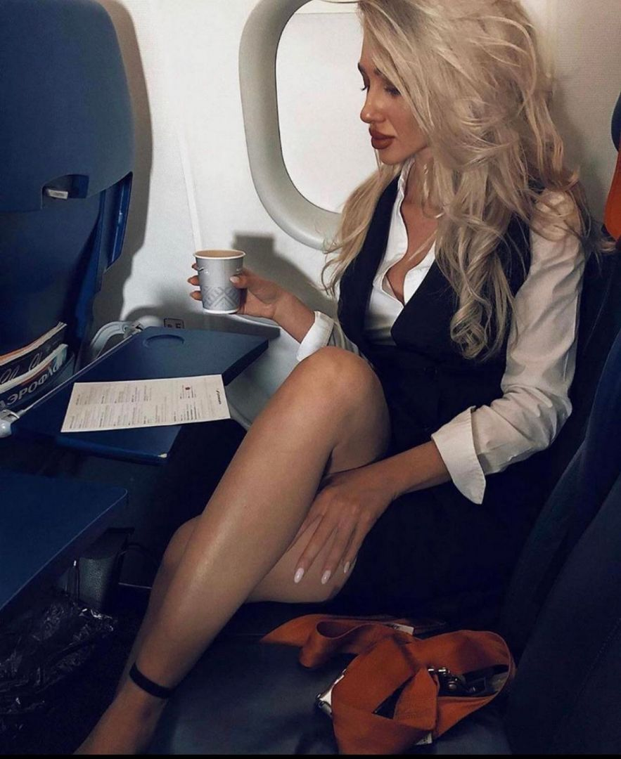 uniforme-styuardessy-seksualnye-krasivye-fotografii-neobychnye-fotografii