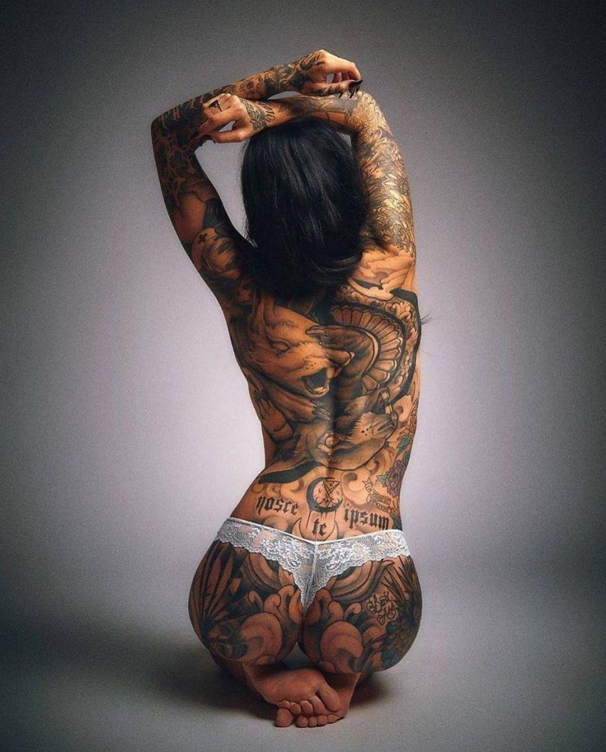 devchonki-tatuirovannye-krasivye-fotografii-neobychnye-fotografii