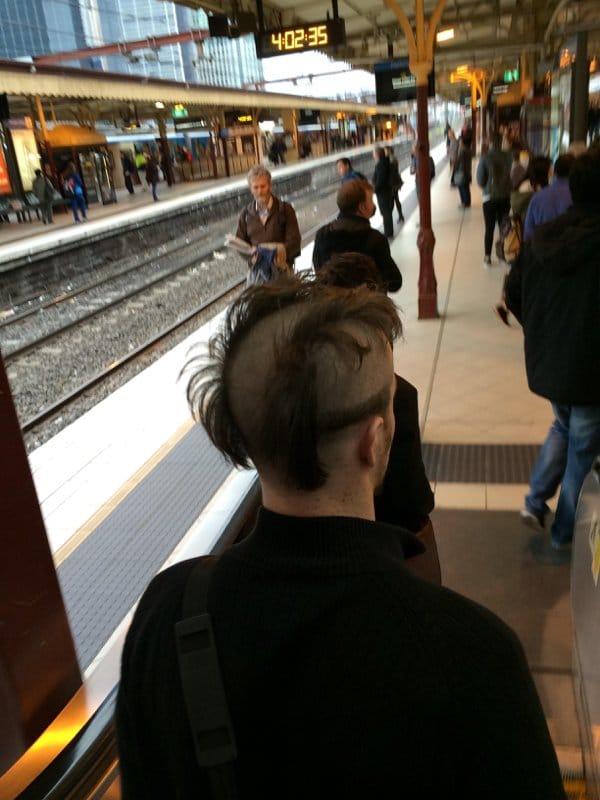 парень на жд вокзале