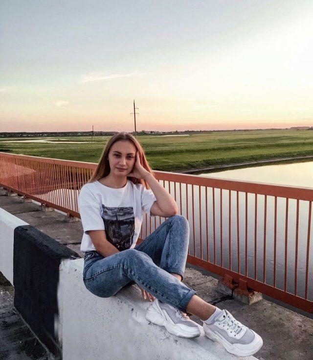 novorossiyska-devushki-yarkie-krasivye-fotografii-neobychnye-fotografii