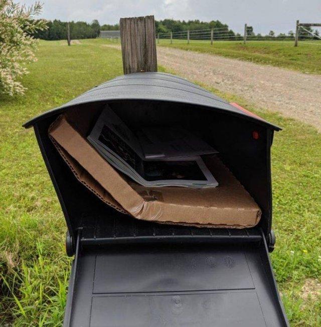 посылка в почтовом ящике
