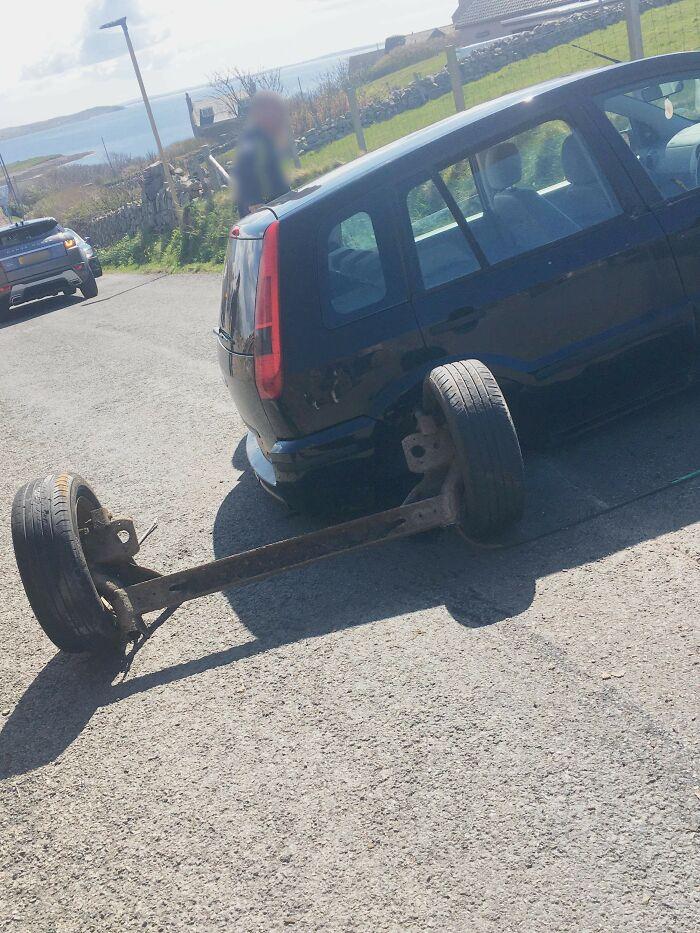 колеса отдельно от машины