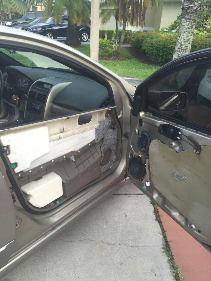 дверь авто расслоилась