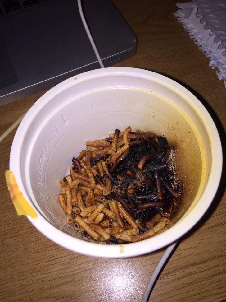 сгоревшие макароны
